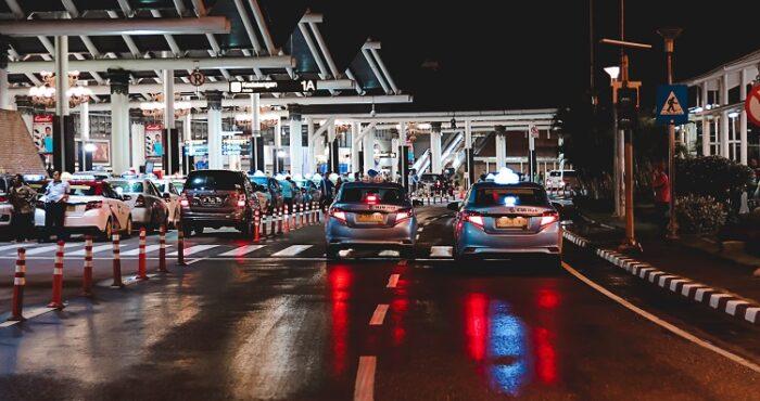 graniöni prelaz, ulazak u stranu zemlju, automobili, kolona, noö